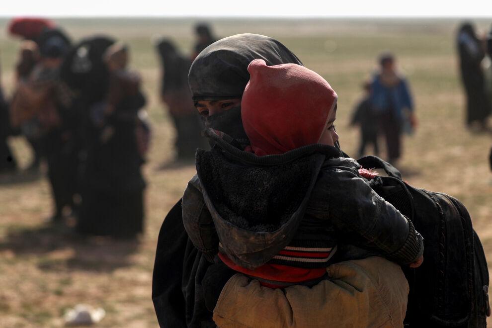 Uupuneet perheet olivat matkanneet päiväkausia saapuessaan Al-Holin leirille Koillis-Syyriaan vuoden alussa. Kuvan henkilöiden ei tiedetä osallistuneen Isis-järjestön toimintaan. © UNICEF/ Syria 2019/ Delil Souleiman