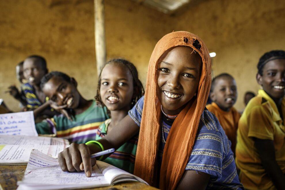Esa Ali Mohammed, 11, käy neljättä luokkaa Oromian maakunnassa Etiopiassa. UNICEF tukee sekä lasten koulunkäyntiä että maan opetusjärjestelmän kehittämistä. Näin muutokset ovat pysyviä.