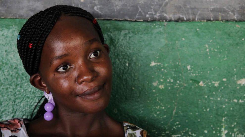 Lexina Lungu, 26 vuotta, elää Kasungussa, Malawissa. Hän sai kuulla olevansa HIV-positiivinen odottaessaan toista lastaan. Nyt hän saa jatkuvaa lääkitystä sairauteensa.