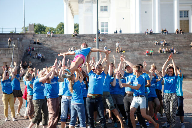 UNICEF's Face-to-face -recruiters in their flash mob -happening at Senate Square in Helsinki.