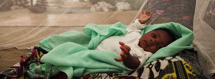 Alkuvuonna 2014 UNICEF jakoi Keski-Afrikasssa 300 000 malariaverkkoa lapsille ja turvasi puhtaan veden yli 180 000 ihmiselle.