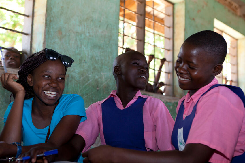 Workshop with adolescent girls at Pabbo Primary School in Northern Uganda.  © UNICEF/Uganda 2015/Suihkonen