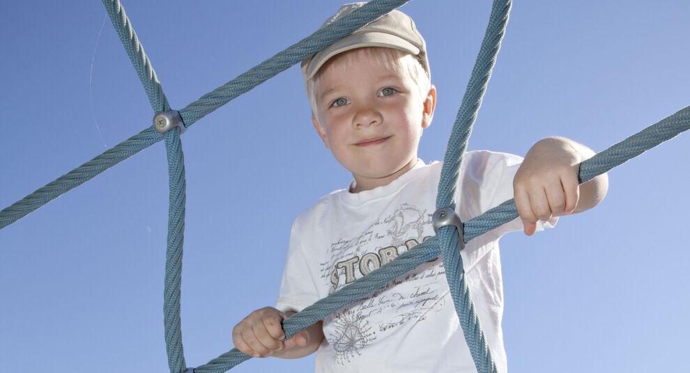 Lapsivaikutusten arviointiin kuuluu myös lasten näkemysten selvittäminen päätettävästä asiasta. ©UNICEF/Suomi 2011/Penttilä