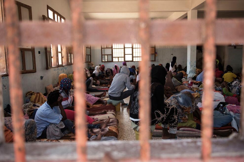 Kuva libyalaisen säilöönottokeskuksen naisille tarkoitetulta osastolta. © UNICEF/UN078004/Romenzi