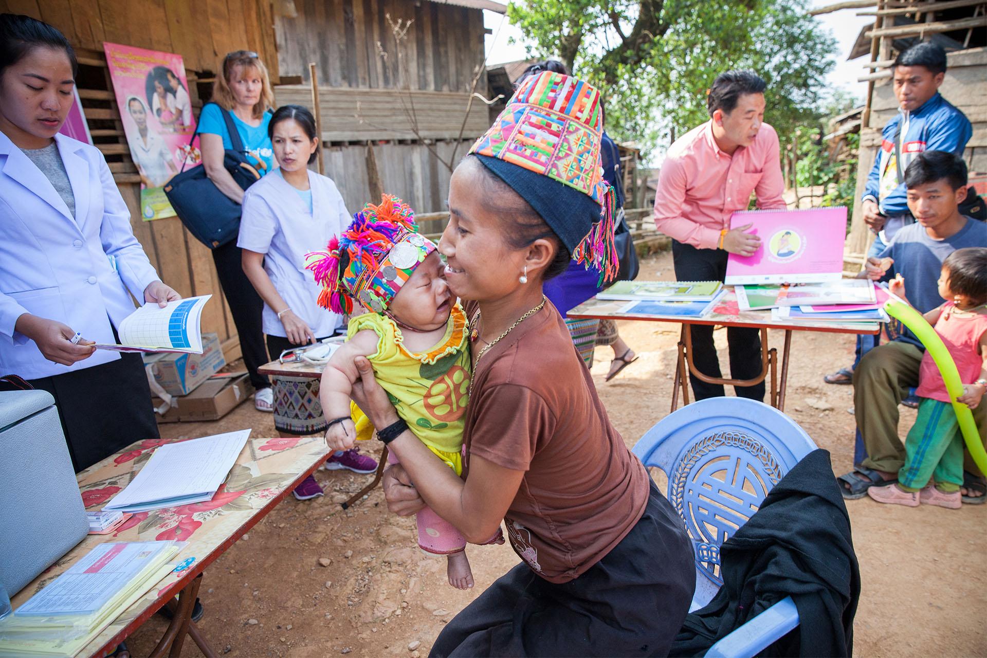 Lapsia rokotetaan Pohjois-Laos UNICEF toimesta
