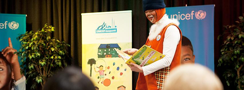 Vuoden 2014 Lapsen oikeuksien vaikuttaja -tunnustuksen sai kirjasto