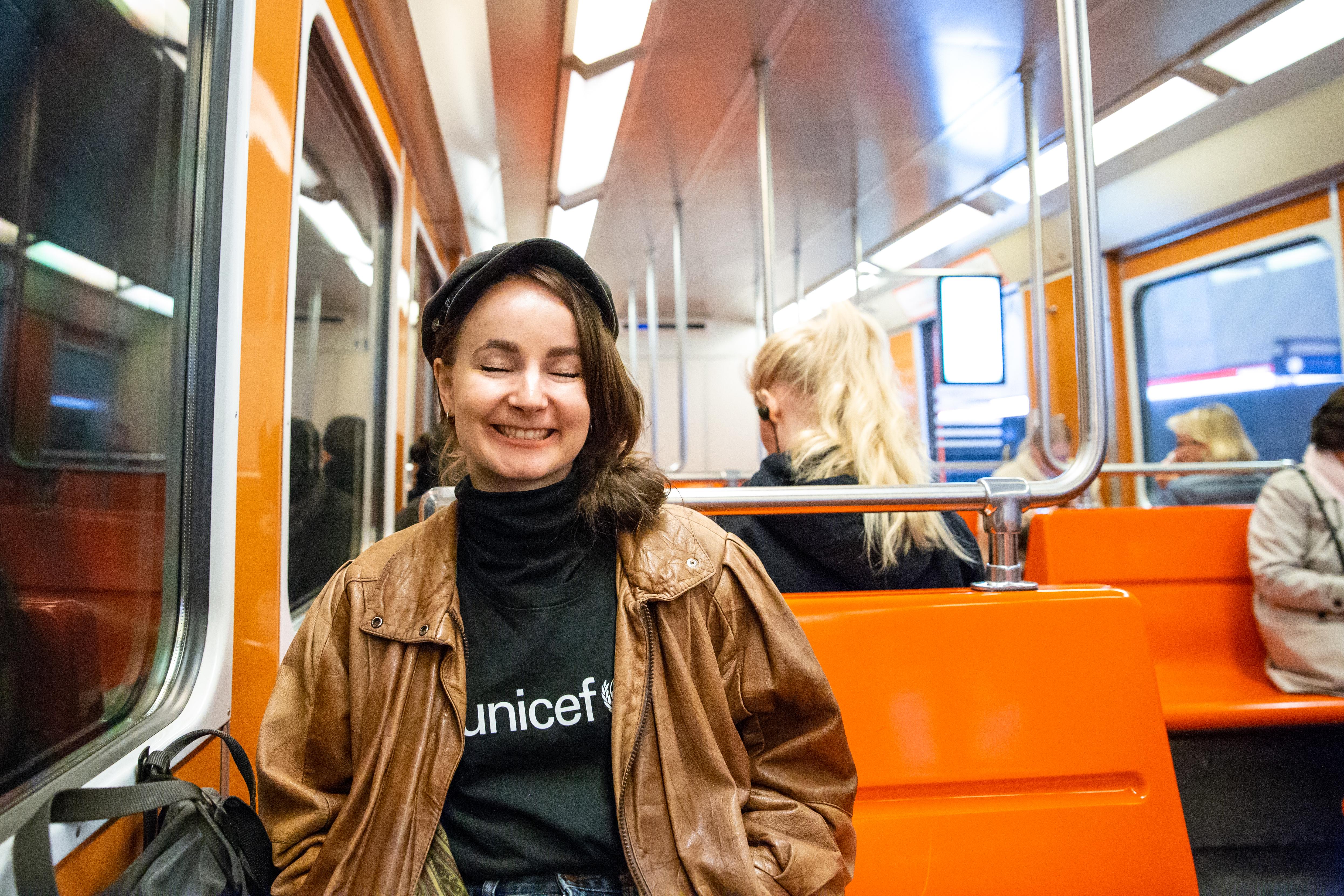 Emma Rahikainen metrossa