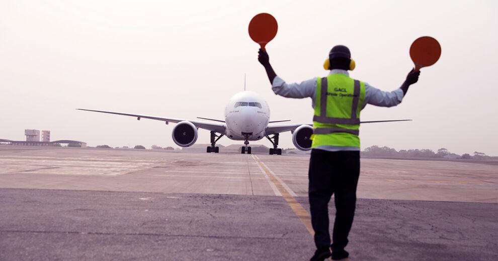 Ensimmäiset koronarokotteet saapuivat Kotokan kansainväliselle lentoasemalle Accrassa, Ghanan pääkaupungissa. Kuva: © UNICEF/UN0421466/Kokoroko/COVAX