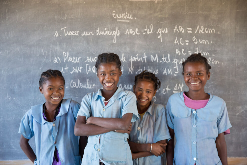 Koulutyttöjä Beranossa Madagascarilla. @UNICEF/UN0325666/ Ralaivita