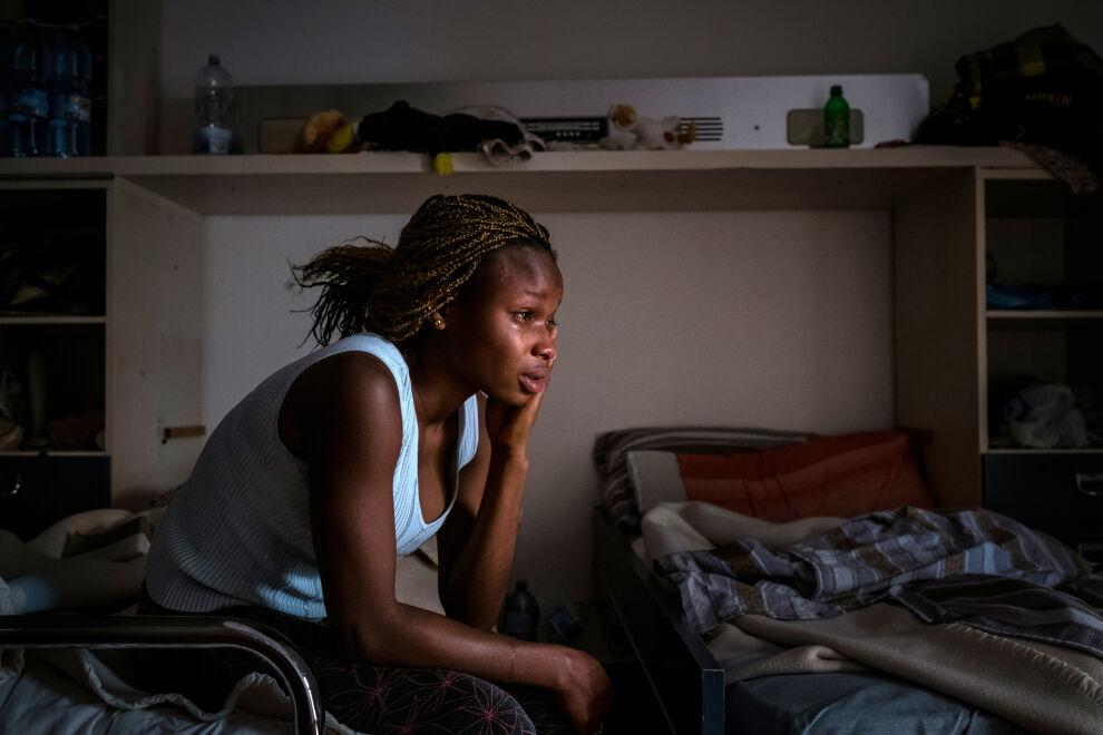 Mary (nimi muutettu) joutui ihmiskauppiaiden käsiin matkallaan NIgeriasta Italiaan. Italian rajalla hän pyysi apua viranomaisilta ja pelastui joutumasta pakkoprostituutioon. © UNICEF/UN061191/Gilbertson VII Photo