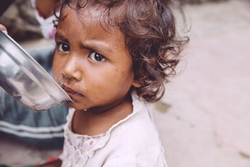 UNICEF ehkäisee ja hoitaa pienten lasten kroonista aliravitsemusta Madagaskarilla. © UNICEF/Madagaskar 2015/Kivelä