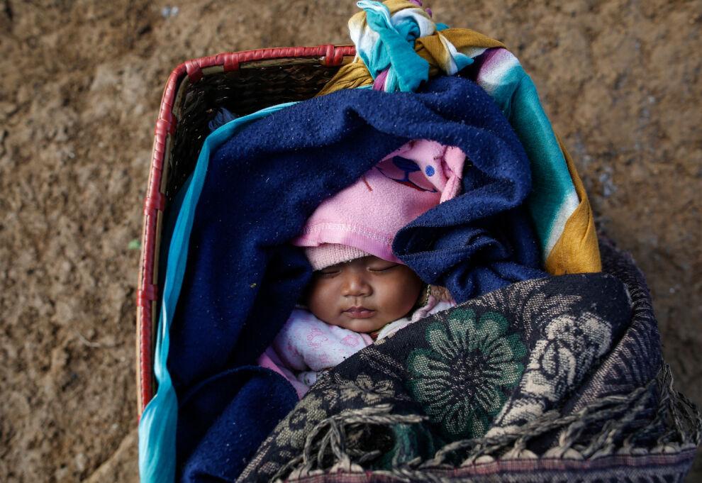 Ensimmäinen elinkuukausi on lapsille kaikkialla maailmassa elämän vaarallisinta aikaa. © UNICEF/UN017141/Shrestha