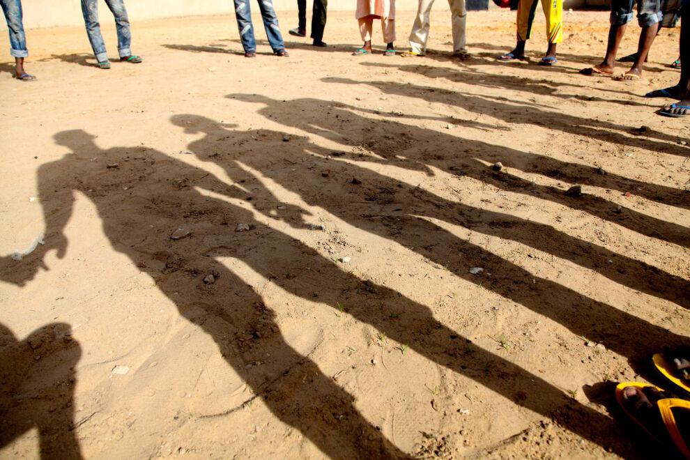 Aseelliset ryhmät käyttävät lapsia paitsi sotilaina myös esimerkiksi viestinviejinä, huolto- ja vartiointitehtävissä, palvelijoina tai seksiorjina. Kuvassa entisiä keskiafrikkalaisia lapsisotilaita Tsadissa.  © UNICEF/UNI163831/Pirozzi