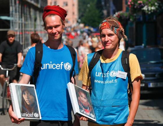 Kuukausilahjoittajat mahdollistavat UNICEFin pitkäjänteisen työn heikoimmassa asemassa olevien lasten hyväksi. Jo 84 000 suomalaista on liittynyt UNICEFin tukijoukkoihin.