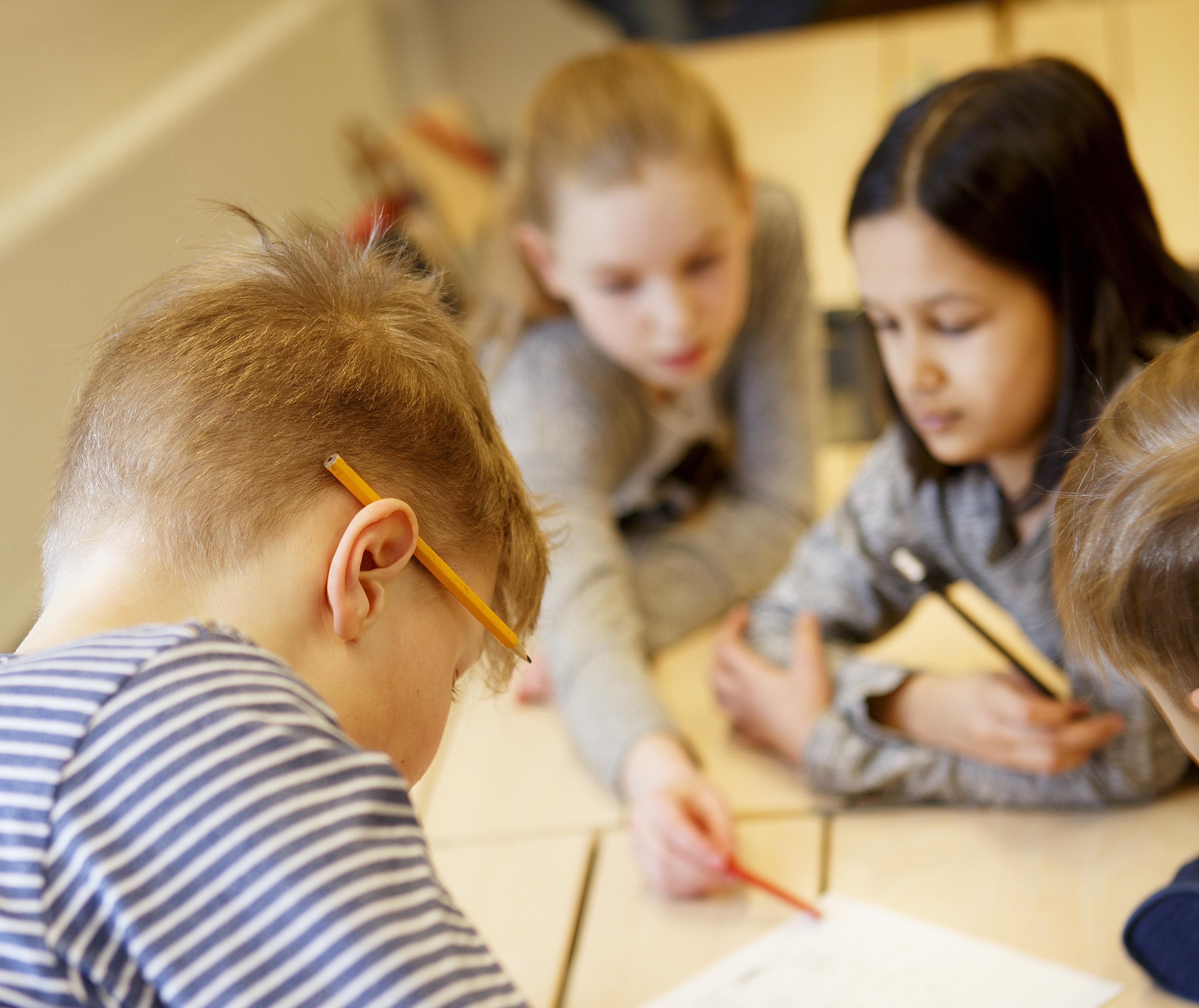Lapsia koulussa