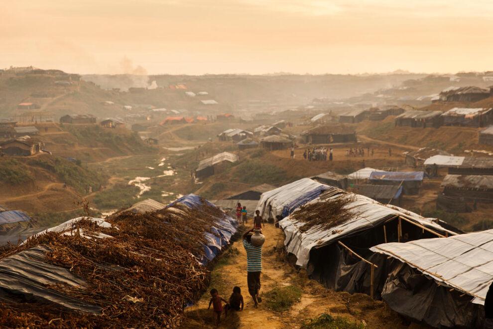 Rohingya-pakolaiset asuvat kurjissa oloissa Etelä-Bangladeshissa. © UNICEF/UN0127188/Brown